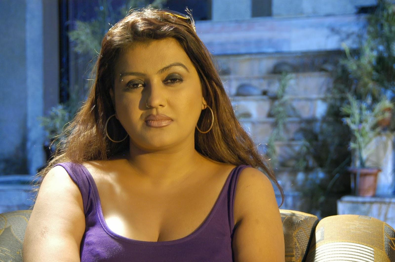Tamil Aunty Sex Stills