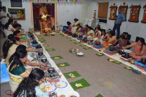 മഹാനഗരത്തെ യാഗശാലയാക്കി ചിക്കാഗോ ഗീതാമണ്ഡലം ചോറ്റാനിക്കര  മകം തൊഴലും ആറ്റുകാല് പൊങ്കാലയും ആഘോഷിച്ചു