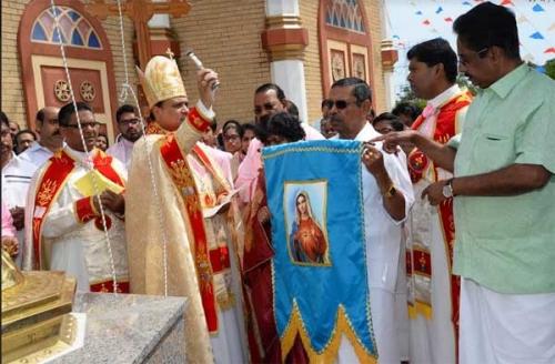 ചിക്കാഗോ  സെന്റ് മേരീസ്  ദേവാലയത്തില് പ്രധാന തിരുനാളിന് കൊടിയേറി