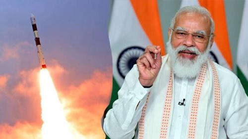 ഐഎസ്ആര്ഒയുടെ 2021ലെ ആദ്യ മിഷന് കൗണ്ട് ഡൌണ് തുടങ്ങി ; പ്രധാനമന്ത്രി നരേന്ദ്ര മോദിയുടെ ചിത്രവും മെമ്മറി കാര്ഡിലാക്കിയ ഭഗവത്ഗീതയും 25,000 ഇന്ത്യക്കാരുടെ പേരുകളും നാനോ ഉപഗ്രഹം ബഹിരാകാശത്ത് എത്തിക്കും