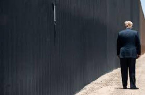 യുഎസ്-മെക്സിക്കോ അതിര്ത്തിയില് വന്മതില് പണിയാന് ട്രംപ് നീക്കി വച്ച 2.2 ബില്യണ് ഡോളര് വഴി തിരിച്ച് വിട്ട് ബൈഡന്; ഈ തുക നിര്ണായകമായ 66 മിലിട്ടറി പ്രൊജക്ടുകള്ക്കായി പുനര്വിതരണം ചെയ്യും; ട്രംപിന്റെ ക്രൂരമതില് തകര്ത്തെറിഞ്ഞ് ബൈഡന്